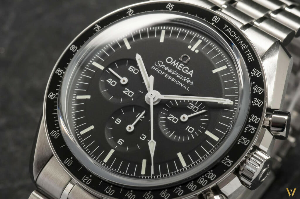 Video Omega Speedmaster Moonwatch Master Chronometer bracelet acier